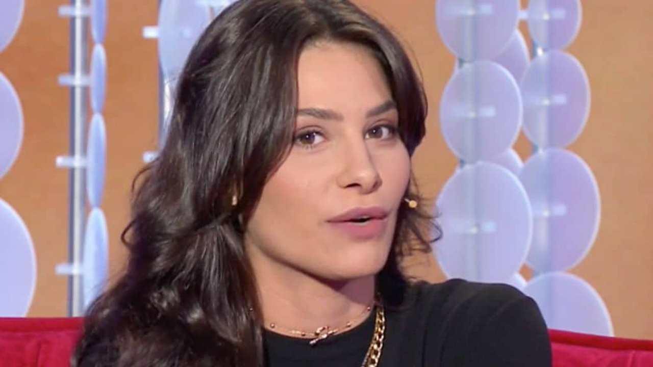 Ludovica Valli definisce gli operai animali - Solonotizie24
