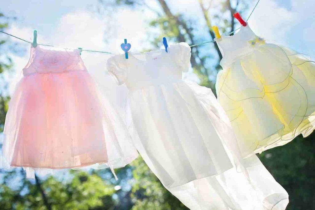 Consigli per prolungare il profumo dei panni appena lavati