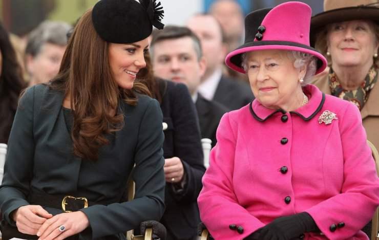 Kate-Middleton-Regina-Elisabetta-Solonotizie24