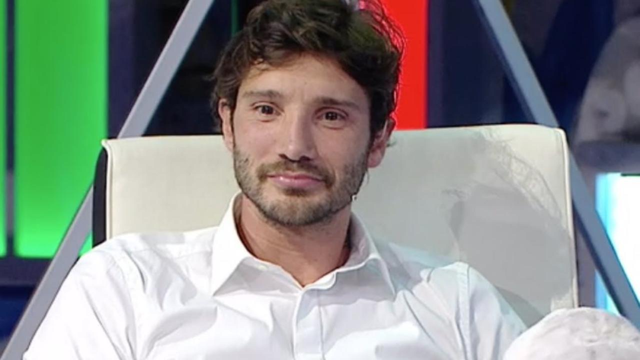 Stefano De Martino in cucina - Solonotizie24