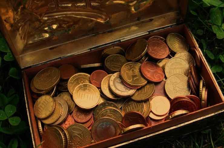 trovare monete significa