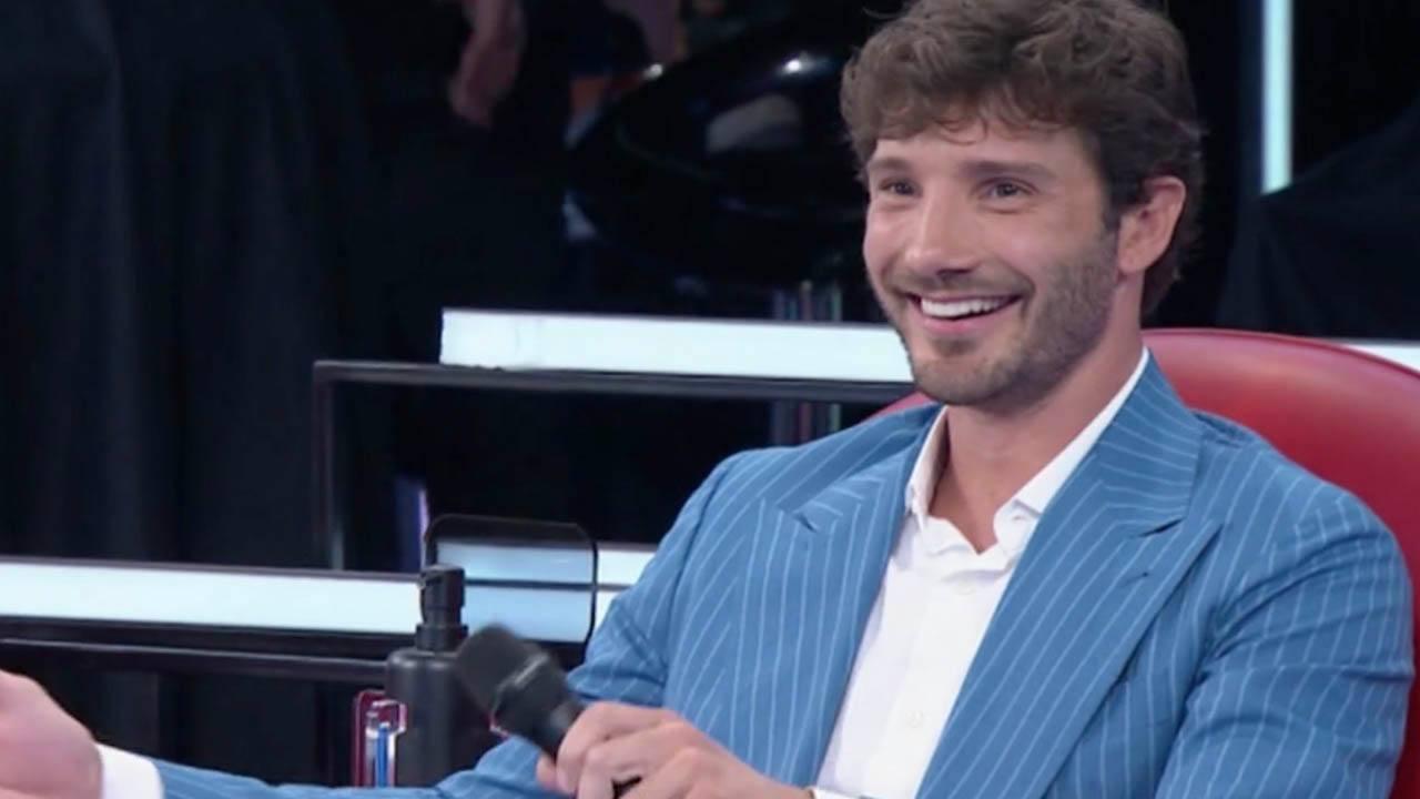 Stefano De Martino super dotato - Solonotizie24
