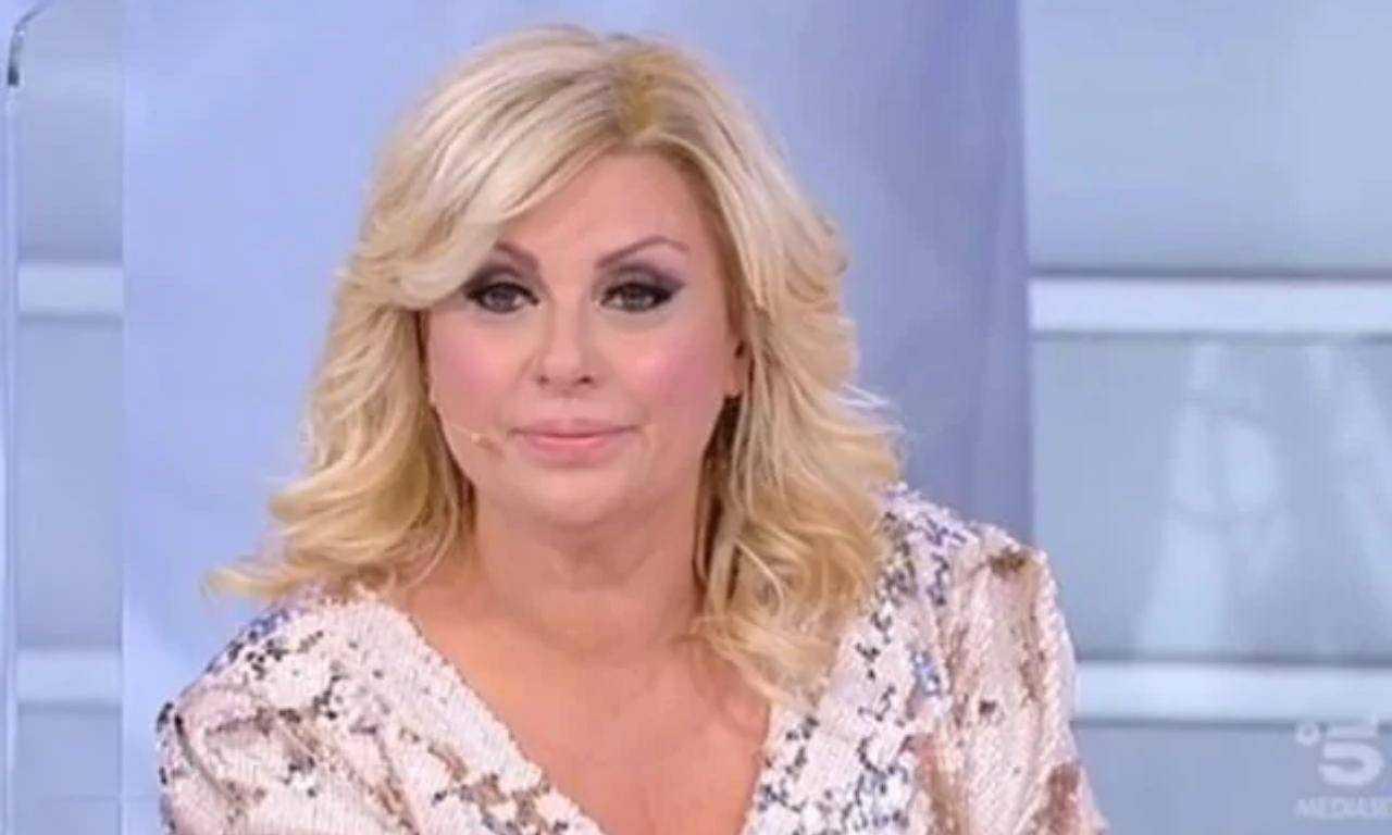 Tina Cipollari incidente domestico - Solonotizie24