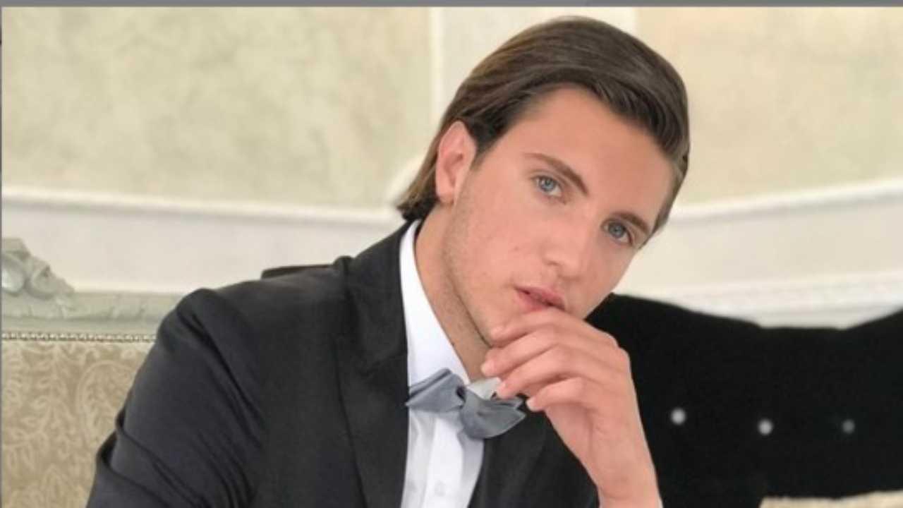 Tommaso Zorzi commento foto fidanzato - Solonotizie24