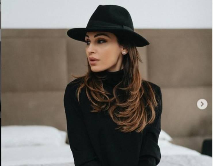 Bikini Anna Tatangelo - Solonotizie24