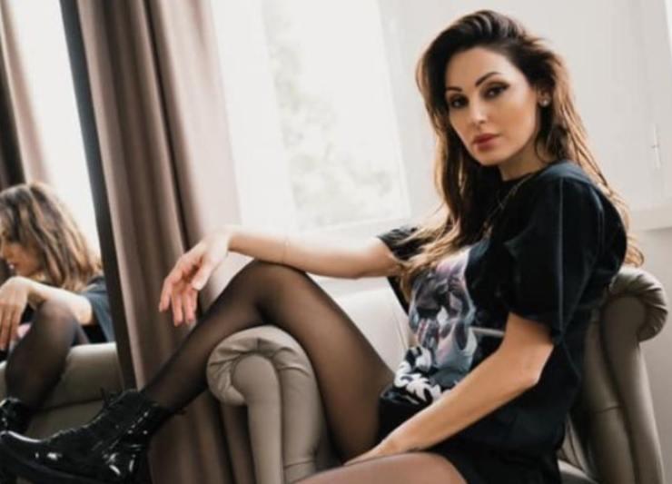 Anna Tatangelo bollente Livio Cori - Solonotizie24