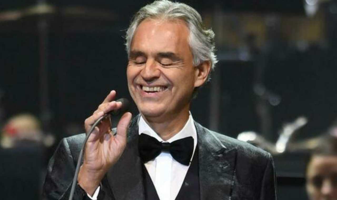 Andrea Bocelli come è diventato cieco - Solonotizie24