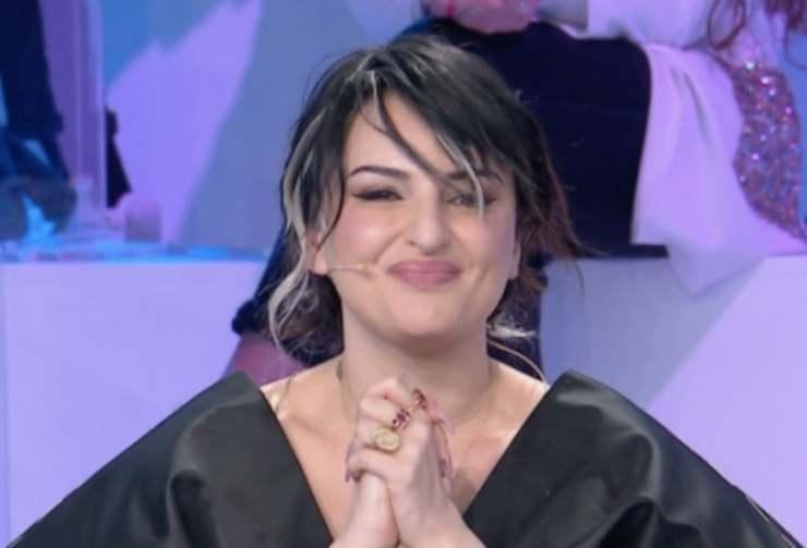 Arisa lettera Maria De Filippi Amici - Solonotizie24