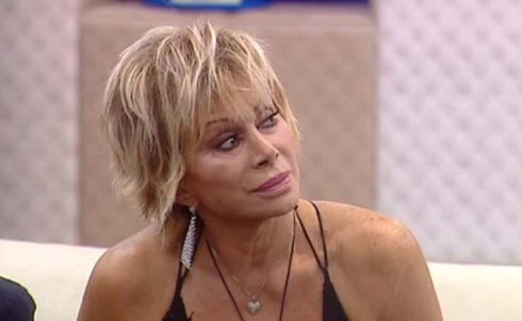 Carmen Russo crisi GF Vip - Solonotizie24