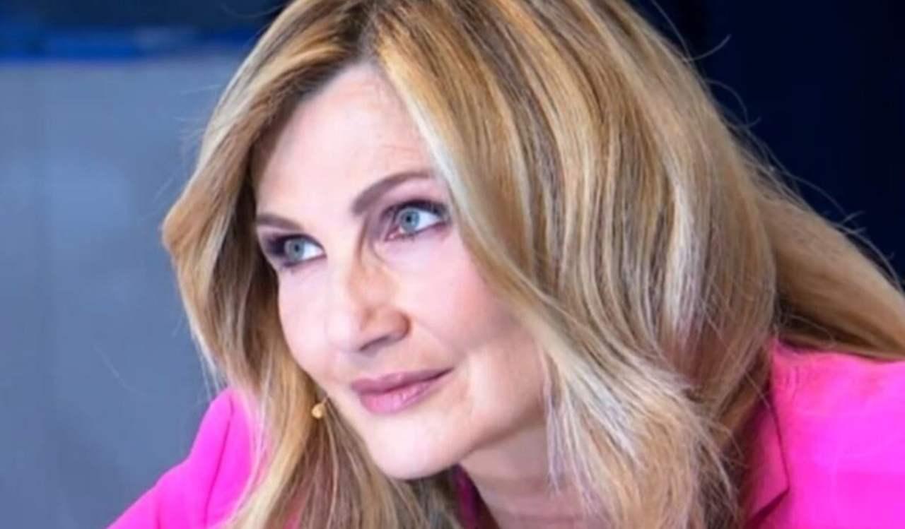 Lorella Cuccarini ritocchino - Solonotizie24