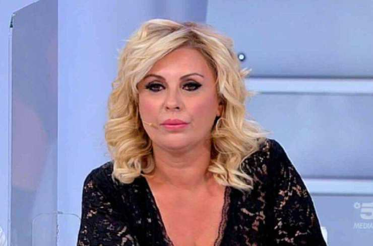 Tina Cipollari dietro le quinte Uomini e Donne - Solonotizie24