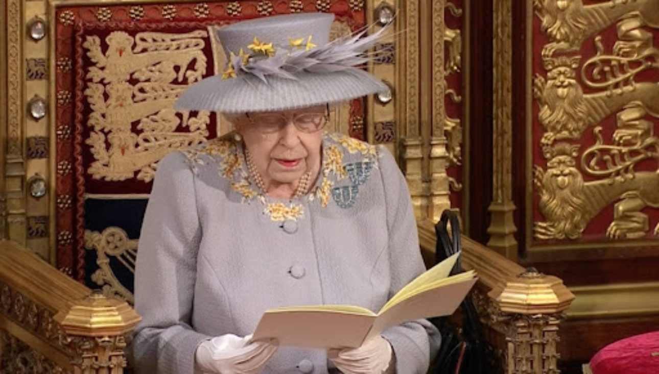 La Regina Elisabetta sta male - Solonotizie24